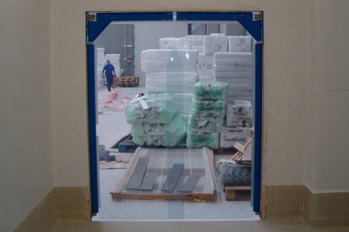 Puertas batientes en PVC flexible